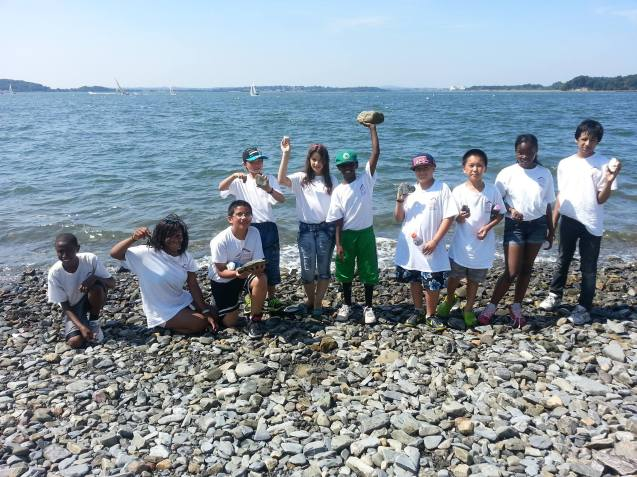 2013 - Scholars head to the Harbor Islands to do some hands-on learning
